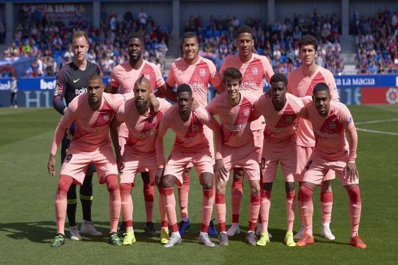 توقف بارسلونا برابر اوئسکای قعر نشین