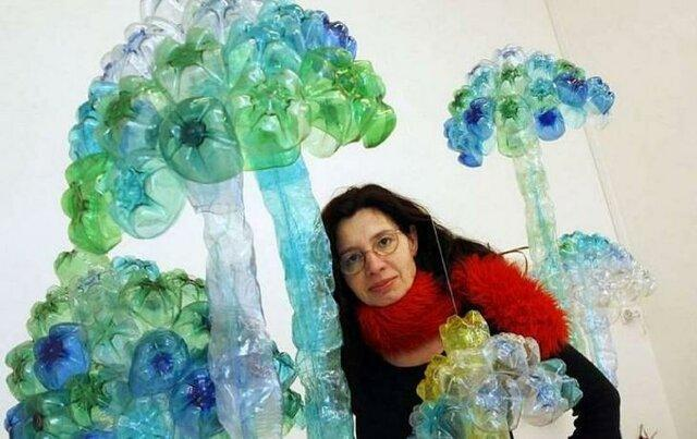 وقتی بطری های پلاستیکی به دنیای هنر قدم می گذارند