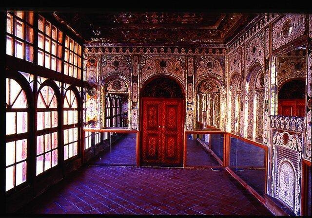 نصب پلاک خانه های تاریخی بر سر در 23 خانه تاریخی مشهد