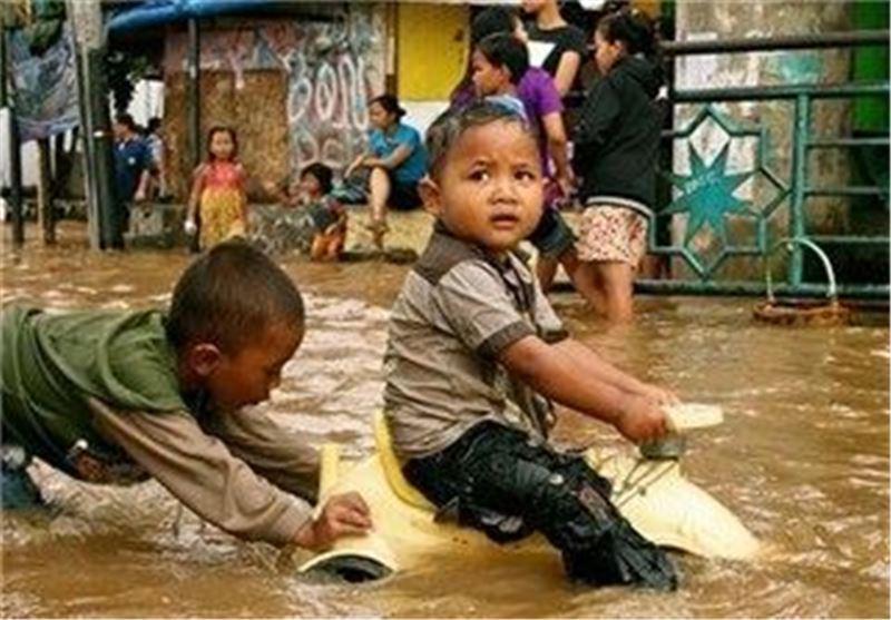 9 کشته بر اثر رانش زمین و سیل در اندونزی