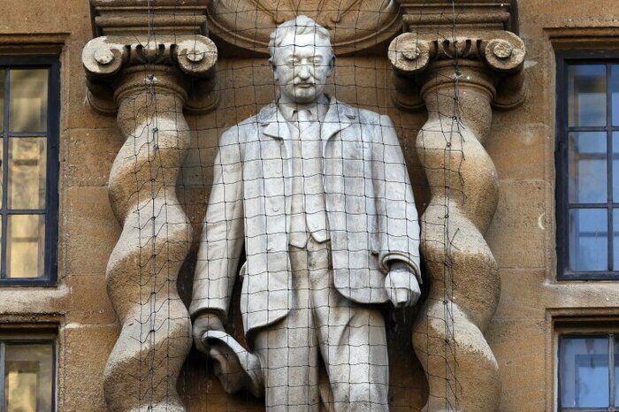 درخواست دانشجویان انگلیس برای حذف مجسمه سیسیل از دانشگاه