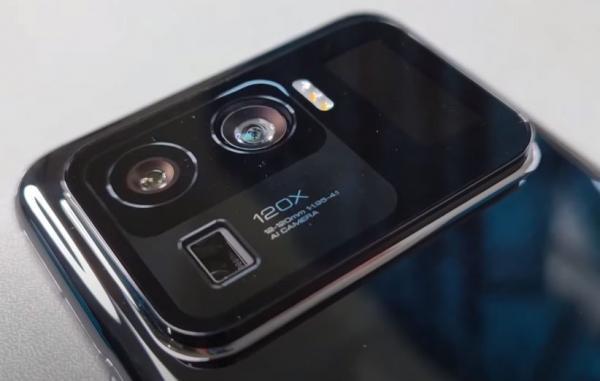 آیا برجستگی دوربین گوشی های هوشمند از کنترل خارج شده است؟
